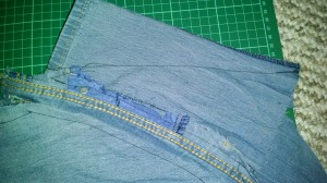 sleeve sew from shoulder to edge to form a taper