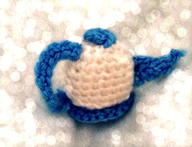Crochet teapot - bokeh!